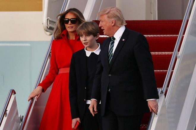 Трамп и его третья жена Мелания с сыном