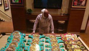 Боксерские пояса Флойда Мейвезера