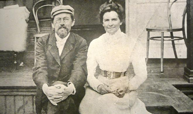 Anton_Chekhov_and_Olga_Knipper
