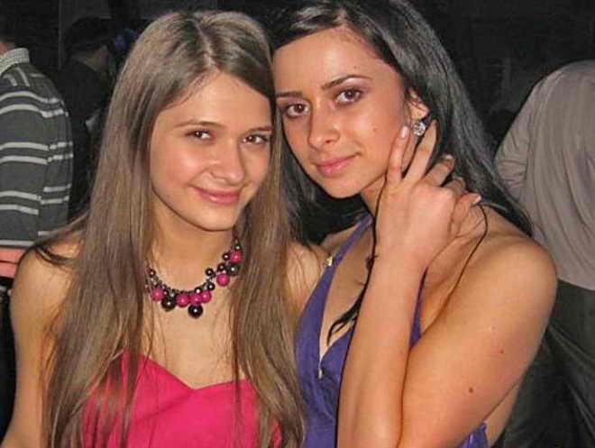 Сестра Дана Балана Санда и Кристина Руссу